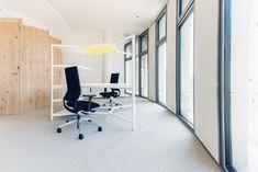 Ausstattung Büroräume und Wandvertäfelungen in Wildeichenfurnier, Science Tower Graz Divider, Room, Home Decor, Graz, Oak Tree, Products, House, Bedroom, Decoration Home