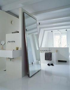 Minimalistische slaapkamer met badkamer | Minimalistic bedroom with bathroom