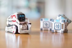 New robot toy uses 'emotions' to interact with people