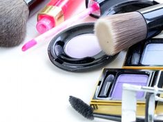 Time to come clean. How long have your makeup products crowded your medicine cabinet? Filled your bathroom drawer? Overflowed your makeup bag(s)? Be honest, you're a bit of a hoarder, aren't you? Don't feel bad, we all do it. Nobody wants to part with their makeup stash (or the hard-earned cash