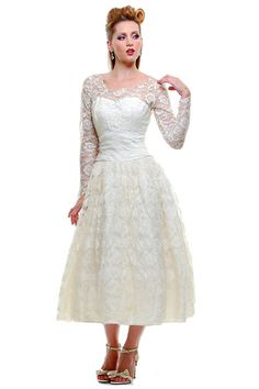 *In Stock & Ready to ShipAuthentic Vintage 1950's Ivory Tulle with Lace Overlay Long Sleeve Swing Wedding Dress - Size 4/6