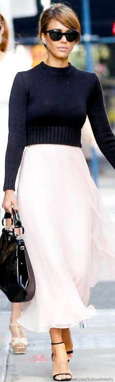 Classy Street Style | Jessica Alba