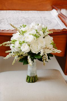 Fresh and pretty spring wedding bouquet.    Copyright: SilverEdge Photography