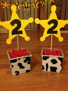 40 ideas de decoración para cumpleaños Toy Story - Toys for years old happy toys Toy Story Party, Fête Toy Story, Toy Story Theme, Woody Birthday, 2 Birthday, Toy Story Birthday, 3rd Birthday Parties, Birthday Ideas, Cowboy Birthday