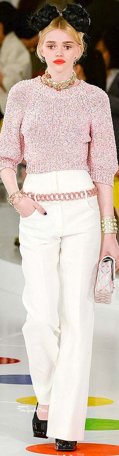Celebrities who wear, use, or own Chanel Resort 2016 High Waisted Pants. Also discover the movies, TV shows, and events associated with Chanel Resort 2016 High Waisted Pants. Moda Fashion, Fashion Week, Runway Fashion, Fashion Models, Fashion Show, Womens Fashion, Fashion Design, Fashion Trends, Chanel Resort