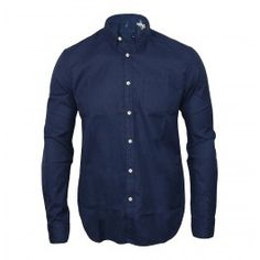This slim fit Made and Crafted Levis shirt is part of the new autumn/winter collection and is constructed from brushed indigo cotton. The one pocket shirt features button closure with a one button fastening to the cuffs, left chest pocket, curved hems and finished with the use of contrast white branded buttons throughout. Perfect for those winter months to wear as an every day shirt or under a jumper to add a bit of extra colour.    100% Cotton  Button closure  £120