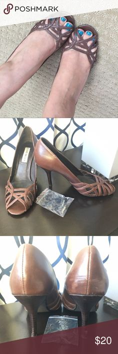 Steve Madden brown heels- donatela Offers welcomed! Has removable petals on the ball of the foot. Some scuffs on back and heel. Steve Madden Shoes Heels
