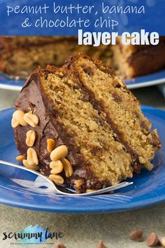 Need a crowd pleasing and impressive layer cake? This peanut butter, banana and chocolate chip cake combines flavours that are a match made in heaven – and it's SO easy to make! Cake Recipes Uk, Dessert Recipes, Easy Recipes, Cooking Recipes, Chocolate Chip Cake, Chocolate Recipes, Chocolate Muffins, Salty Cake, Peanut Butter Banana