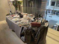 """La Asociación Española del Lujo - Luxury Spain presentó el primer webinar """"Luxury Spain Christmas Menu by chef Pepa Muñoz"""", un menú repleto de ideas para disfrutar esta navidad junto a nuestros socios. Spain, Table Settings, Luxury, Christmas, Ideas, Xmas, Sevilla Spain, Place Settings, Navidad"""