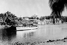 How's that for a day on the water? Boca Raton Resort and Club, 1920.    http://www.historicalflorida.com/images/gallery/boca/hspbc3_700w.jpg