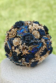 U'R My Gold North Navy Blue and Gold Beach Wedding Brooch Bouquet