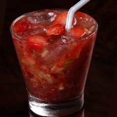 Strawberry Sake Caipirinha - sometimes fresh fruit needs an extra kick. Bar Drinks, Cocktail Drinks, Caipirinha Drink, Alcoholic Cocktails, Juicing For Health, Drinks Alcohol Recipes, Summer Drinks, Clean Eating Snacks, Healthy Drinks