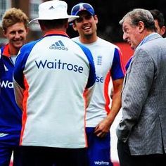 Roy advising the cricket lads!
