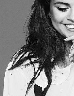Selena Gomez on flare magazine. So beautiful. Fotos Selena Gomez, Selena Gomez Style, Selena Gomez Adidas, Marie Gomez, Foto Pose, Woman Crush, Girl Crushes, Pretty People, Adidas Women