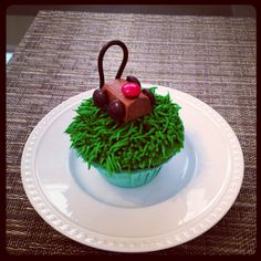 Lawn Mower Cupcake made by @Sparkling Events by Alison Johnson   (12 Days of Baking – Day 6) #12daysofbaking #cupcakes #cupcake #baking #crafting #DIY #hobby #lawnmower #lawn #grass #landscaper #yard #mandms #blacklicorice #sweets #treats #dessert #my12daysofbaking