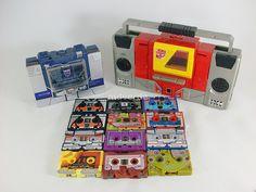 Transformers Soundwave y Blaster con casetes G1 by mdverde, via Flickr