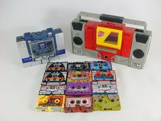 Transformers Soundwave y Blaster con casetes G1 by mdverde, via Flickr