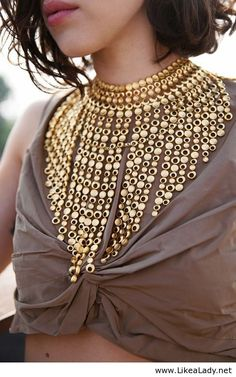 statement necklace in gold boho - Gift for women and girls, wedding Jewelry Trends, Jewelry Accessories, Fashion Accessories, Fashion Jewelry, Fashion Necklace, Trendy Jewelry, Jewelry Sets, Jewelry Design, Hippie Style