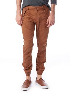 The upscale jogger; they lend themselves to a casual look, but you can dress em up or dress em down. Jogger Pants, Joggers, Men's Pants, Sustainable Fashion, Casual Looks, Khaki Pants, Dresses, Vestidos, Runners