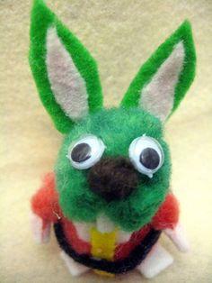 Jaxxon Rabbit Star Wars Easter Diorama Craft Tutorial Bunny Crafts, Easter Crafts, Easter Bunny, Easter Eggs, Green Rabbit, Star Wars Crafts, Diorama, Crafts To Make