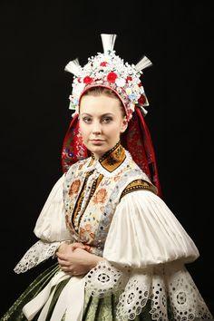 Kroj-bridal-headwear-1