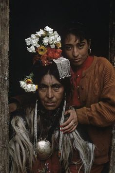 KASHMIR. Ladakhi Buddhists.© Steve McCurry
