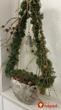 Easy and Simple Christmas Decorations; Home Decor; Easy and Simple Christmas Decorations; Home Decor; Noel Christmas, Rustic Christmas, Simple Christmas, Winter Christmas, All Things Christmas, Christmas Wreaths, Christmas Ornaments, Natural Christmas, Easy Christmas Decorations