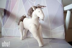 Maskotka - konik  w uhu! handmade na DaWanda.com