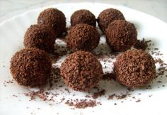 Olasz trüffel Candy Recipes, Dog Food Recipes, Dessert Recipes, Cooking Recipes, Rum Balls, Chocolate, Winter Food, Cake Cookies, Fudge