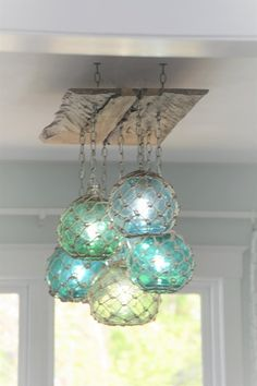 Glass Fishing Float Light Fixture, Chandelier with 7 Floats - Beleuchtung - Beach Cottage Style, Coastal Cottage, Coastal Homes, Beach House Decor, Coastal Decor, Diy Home Decor, Beach House Lighting, Beach Chandelier, Coastal Style
