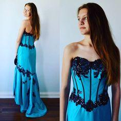 Stunning Formal Vintage Evening Gown.