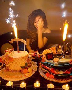 Birthday Wishes Cake, Happy Birthday Wishes Quotes, Happy Birthday Girls, Bday Girl, Happy Birthday Cakes, Birthday Celebration, Cute Birthday Pictures, Birthday Photos, Birthday Party Photography