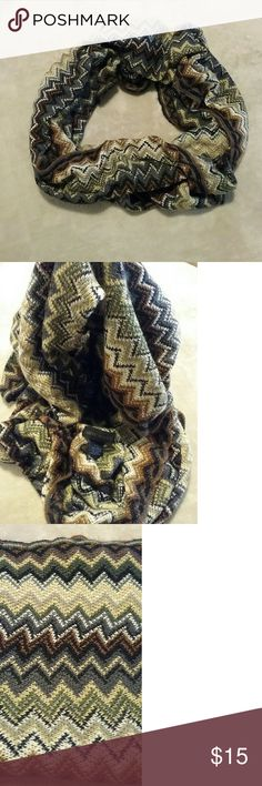 Steve Madden Infinity Scarf Chevron patterned infinity scarf fom Steve Madden. Made from 100% acraylic. Steve Madden Accessories Scarves & Wraps