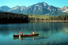 National parks tours and holidays in Western Canada in Voyage National Park Tours, Banff National Park, National Parks, British Columbia, Vancouver City, Canada Holiday, Usa Holidays, Western Canada, Life Is An Adventure