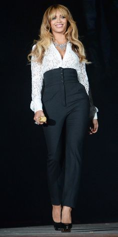 Look of the Day - September 29, 2014 - Beyonce in Dolce & Gabbana from #InStyle @gtl_clothing #getthelook http://gtl.clothing