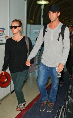 <p>Cuoco and Sweeting arrived back in L.A. hand-in-hand after attending the U.S. Open in New York.</p>