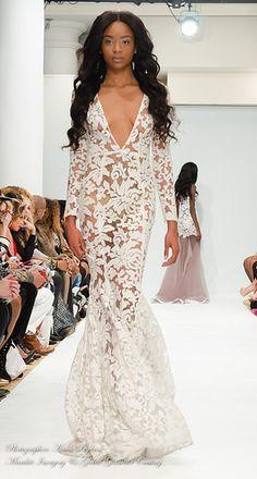 Fashion Designer   Michael Costello what an amazing dress, pure hotness!
