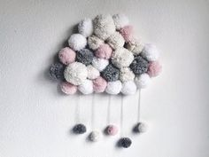 "Tuto DIY n°2 : Un "" Nuage Pompon "" - YouTube Easy Diy Crafts, Crafts For Kids, Paper Flower Decor, Pom Pom Rug, Pom Pom Crafts, Diy Papier, Diy Wall Art, Bead Crafts, Craft Gifts"