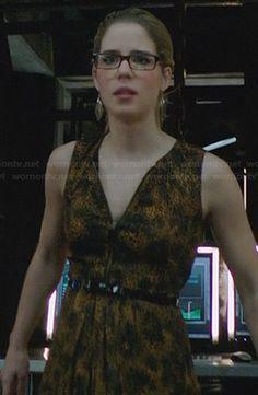 Felicity's yellow zip front animal print dress on Arrow.  Outfit Details: http://wornontv.net/31220/ #Arrow