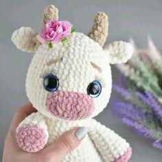 Crochet Cow, Kawaii Crochet, Crochet Animal Amigurumi, Crochet Amigurumi Free Patterns, Crochet Animal Patterns, Cute Crochet, Crochet Animals, Crochet Crafts, Crochet Dolls