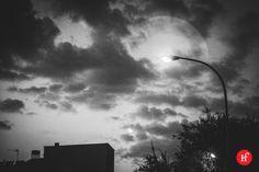 """2013-08-30 Vuelven las nubes  Parece que el verano quiere terminar antes de tiempo y eso a mí que me gusta el fresquete me parece genial… Al fin se van esos dias de 35ºC en Madrid, del calor sofocante que te deja """"agilipollao"""" , de ducharte y vovler a sudar 5 min después y de derretirte por el asfalto madrileño. Viva el fresquito!!!  Sigue el reto en:  http://www.hastaelinfinitoymasalla.com/2013-reto-365/ http://www.flickr.com/photos/wienlared/sets/7215763240755296"""