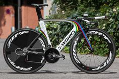 World time trial champion Tony Martin's Specialized Shiv bike in focus Cycling Art, Cycling Bikes, Cycling Quotes, Cycling Jerseys, Specialized Road Bikes, Specialized Shiv, Bicycle Race, Bike Run, Mtb