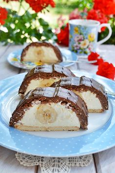Meggyes-diós macskaszem Protein, Sweets, Healthy Recipes, Cake, Food, Sweet Pastries, Health Recipes, Pie Cake, Meal