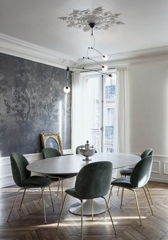A soothing design sensibility. Dining room goals by via Interior Design Companies, Home Interior Design, Interior Decorating, Luxury Furniture, Home Furniture, Luxury Dining Room, Modern Wall Decor, Apartment Interior, Luxurious Bedrooms