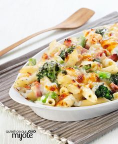 Cheesy Ham and Broccoli Pasta Bake Recipe Broccoli Pasta Bake, Ham Pasta, Cauliflower Gratin, Chicken Pasta Bake, Pasta Dishes, Pasta Meals, Rice Dishes, Pasta Casserole, Suppers