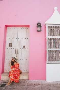 Venturing down to Cartagena, Colombia for a week to celebrate my birthday was the perfect introduction to South America! Here's where to eat, stay & play! Picture Poses, Photo Poses, Photography Poses, Travel Photography, Ocean Photography, Wedding Photography, Affordable Swimsuits, Luxury Homes Dream Houses, Colombia Travel