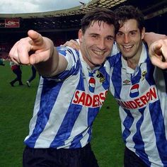 Hirsty & Harkesy #swfc Sheffield Wednesday Fc, Football Team, Soccer, English, Photo And Video, Owls, Game, Retro, Friends