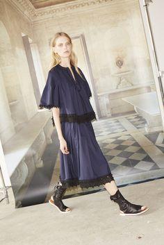 10 Crosby Derek Lam New York - Spring Summer 2016 Ready-To-Wear - Shows - Vogue. Fashion Line, Fashion News, Fashion Show, Fashion Looks, Ny Fashion, Fashion 2016, Fashion Trends, Spring Summer 2016, Spring Summer Fashion