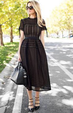 87fa6c91e7e Tips to funeral dress is keep it less and minimalistic