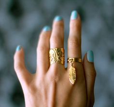 Gold Feather Charm Ring